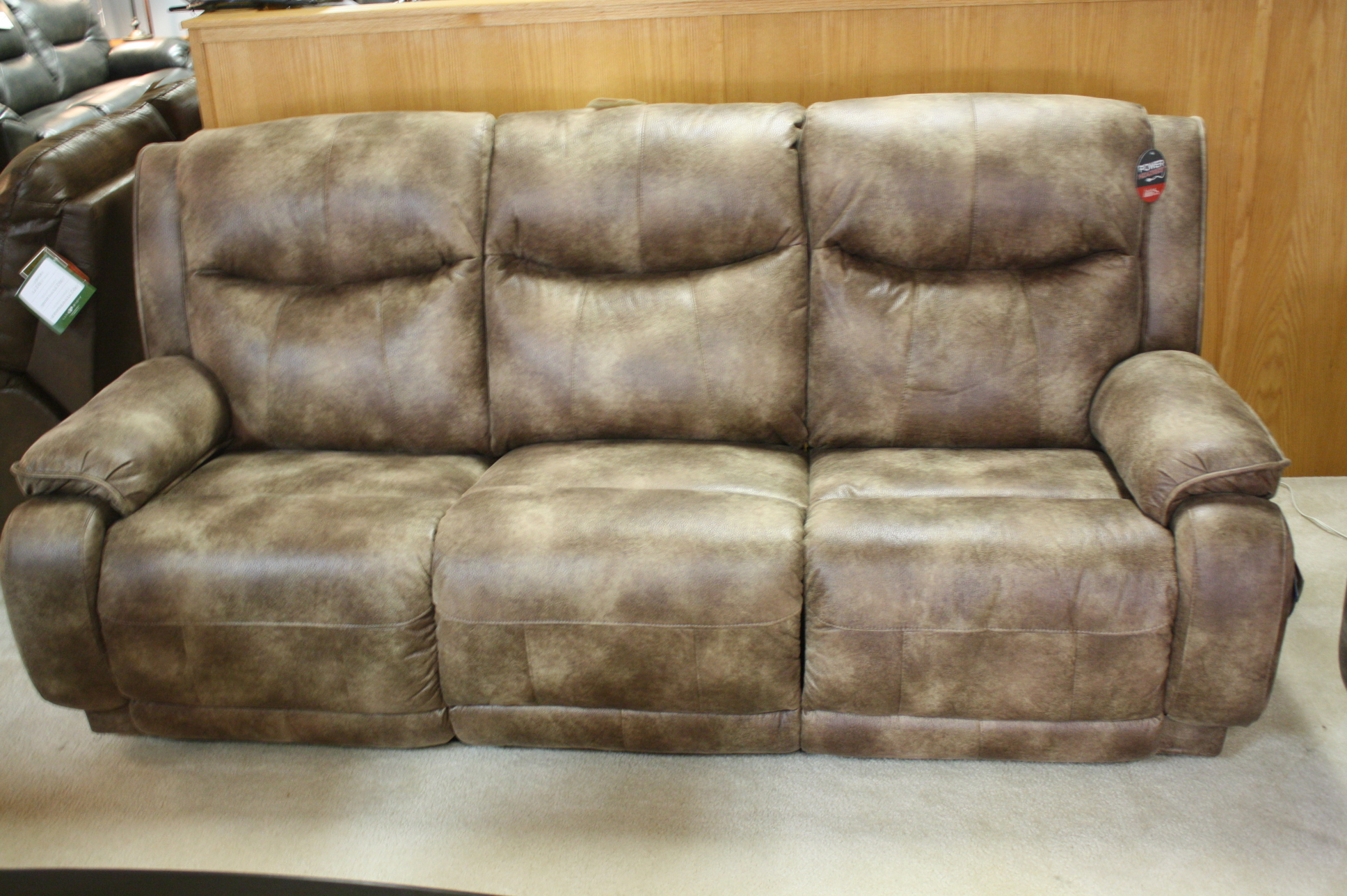 875 Southern Motion Velocity Double Reclining Power Sofa/Loveseat. Outside  Button To Recline