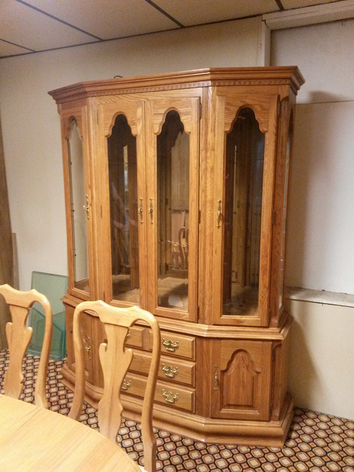1576 1589 1565 Keller Buffet Hutch Dining Set